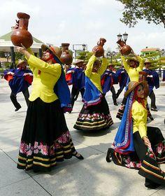 Baile típico de danza oriental de Venezuela