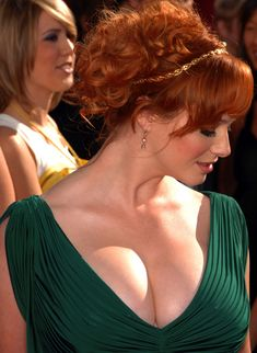 Christina Hendricks (redhead) this woman is a goddess. I do believe I found my hairstyle. but I want some more whisps hanging down the back Beautiful Christina, Beautiful Red Hair, Beautiful Redhead, Beautiful Celebrities, Beautiful Actresses, Beautiful Women, Christina Hendricks, Cristina Hendrix, Pernas Sexy