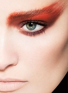Beauty Story : Red - Photographer: Hervé Dunoyer / Makeup Artist: Céline Charpentier