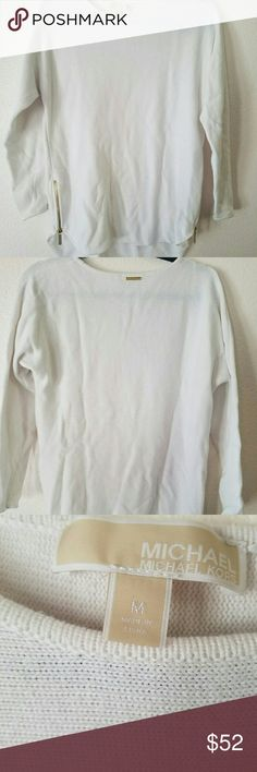 Michael Kors women sweater Used a few times.. great condition.. no flaws, rips or holes.. Michael Kors Sweaters
