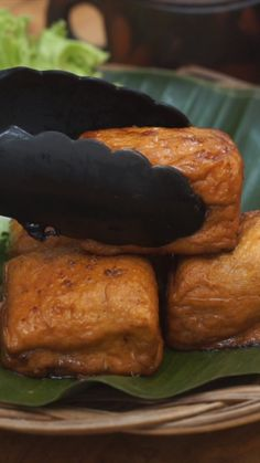 cooking tips - Tahu Bacem ~ Resep Indonesian Food, Food Menu, Diy Food, No Cook Meals, Food Dishes, Mexican Food Recipes, Food Videos, Love Food, Food To Make