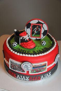 lekker zoet: Ajax taart voor de 8 jarige Jamie...