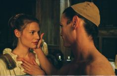 Primary_stage-beauty-claire-danes-787486_1800_1185