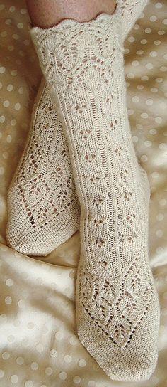 Lingerie sock : Knitty First Fall 2011 - free knitting pattern Lace Socks, Crochet Socks, Knit Or Crochet, Knitting Socks, Free Knitting, Knit Lace, Crochet Winter, How To Knit Socks, Knitting Cake