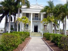 Travel through the 10,000 islands in Florida...this sounds like an awesome family vacay!