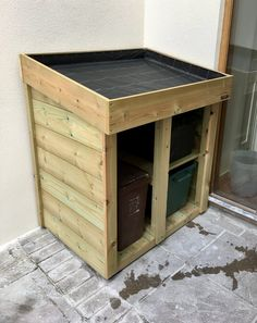 Recycling & Food Waste Store with Green Roof Planter – Bluum Stores Recycling Bin Storage, Storage Bins, Garage Storage, Storage Ideas, Roof Storage, Storage Solutions, Storage Organization, Bin Store Garden, Bin Shed