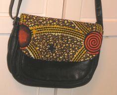 Sac à main avec bandoulière customisé wax : Sacs bandoulière par ethniz