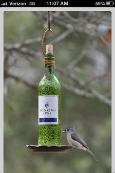 Bird feeder - I wonder if there's a way I can do this ...