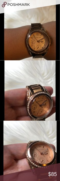 Michael Kors Rose Hold Watch Pre-loved Michael Kors watch. Overall good condition, no box. Some stones missing but not noticeable. Michael Kors Accessories Watches