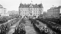 Tampere - Finnish Civil War 1918 - Red Guard Prisoners on Tampere tori (square)? Finnish Civil War, History Of Finland, Age Of Enlightenment, World Conflicts, Iconic Photos, World History, Helsinki, Civilization, Norway