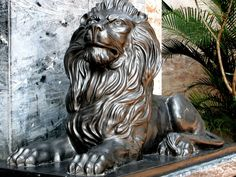 One of the lions at the entrance of HSBC Building on MG Road in Fountain, Mumbai. [personal photo]