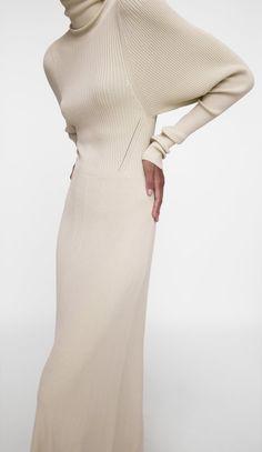High Collar Dress, High Neck Dress, Winter Looks, Knit Dress, Style Me, Knitwear, Bell Sleeves, Formal Dresses, Knitting
