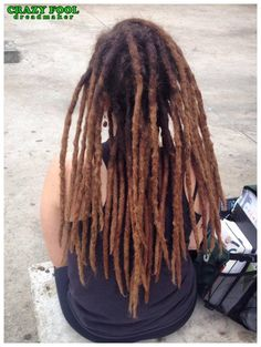 Dreads na cabeleira da Nathalia de Itatiba/SP que veio até a praça Roosevelt em São Paulo, onde atendi durante 3 dias