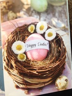 Mini nest (could fill with mini chocolate eggs for guests...)  Picture from LandLove magazine (Mar/Apr16)