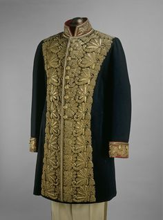 Russian men's court dress, ca 1900. Victoria and Albert Museum