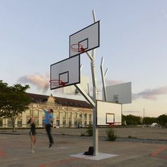 basketball tree.  use similar idea as a way to store/hang park chairs.  how do you lock?