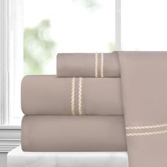 Italian Collection 4 Piece Sheet Set with Rope Embroidery by ienjoy Home