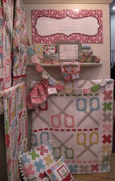 Bee In My Bonnet: Fall Quilt Market Photos!!!!... Love the scissors quilt!