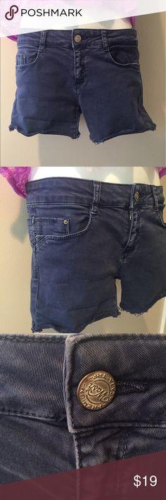 """Zara blue denim Jean shorts. Size 6 Zara Trafaluc blue denim Jean shorts. Size 6. 10"""" long. Cotton with 2% spandex Zara Shorts Jean Shorts"""