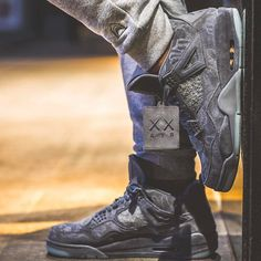 """1,870 Likes, 2 Comments - Sneaker Freaker (@sneakerfreakermag) on Instagram: """"@jeyr3 posting up in some v rare Jays #sneakerfreaker #snkrfrkr #kaws #jordan #airjordan #aj4…"""""""