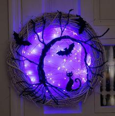 Spooky tree Halloween wreath with lights
