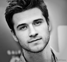 what if you could hav Josh Hutcherson and Liam Hemsworth in one??