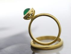 Emerald Gold Ring-18ct Yellow Gold Emerald by DiorahJewellery