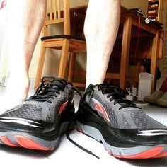 Breaking in new altras for Sevilla #motivation #inspiration #thought #quote #run #runitfast #instarunners #runhappy #furtherfasterforever #runner4life #running #fitness #training #runaholic #runningaddict #endurance #truth #instarunneros #madrunner #worlderunners #sevillemarathon2017 #sevilla #españa #marathontraining #altrarunning #altrashoes