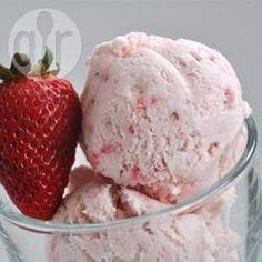 Eivrij aardbeienijs recept - Recepten van Allrecipes