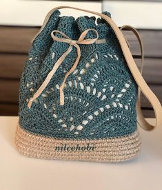 Me gustaría aprender a hacer crochet de una manera profesional . Crochet Star Stitch, Diy Crochet, Crochet Crafts, Crochet Baby, Crochet Handbags, Crochet Purses, Drawstring Bag Diy, Crochet Patron, Crochet Backpack