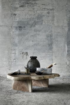 Do you dream of personal interior design? With unique home accessories in natural materials you can create a home that radiates authenticity and personality. Grey Stuff, Rural House, Coffee And End Tables, Vintage Graphic Design, Wabi Sabi, Decoration, Home Accessories, Furniture Design, Woodworking