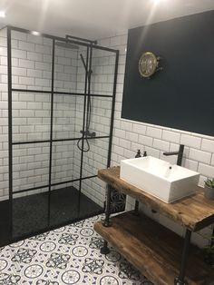 Industrial bathroom Black shower screen Black shower head White tiled bathroom W… - Modern Wooden Bathroom Vanity, Industrial Bathroom Vanity, Bathroom Bench, Loft Bathroom, Bathroom Styling, Bathroom Plants, Bathroom Ideas, Bathrooms, Bad Inspiration