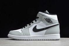 Nike Air Jordans, Nike Air Shoes, Kd Shoes, Nike Socks, Mens Jordans, Girl Jordans, Shoes Jordans, Cheap Jordans, Adidas Shoes