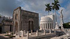 Mausoleos en el Cementerio de La Habana, Cuba #cubanmemories