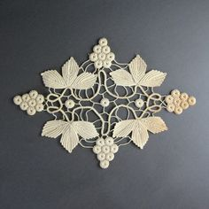 Rings and leaves - Romanian Point Lace Crochet