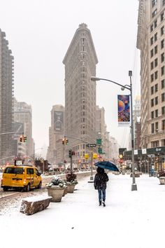 View of the Flatiron Building on a snowy day by Javan Ng Photography - New York City Feelings San Diego, San Francisco, Central Park, Brooklyn Bridge, San Antonio, Great Places, Places To Go, Nashville, Flatiron Building