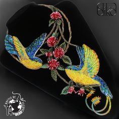 DOTEK RÁJE (Touch of Paradise) - nápadný, extravagantní, originální, luxusní autorský šperk, zhotovený pro mezinárodní korálkovou soutěž Battle of the Beadsmith 2014 (BOTB '14). ... ve které nakonec v konkurenci 256 tvůrců ze 40 zemí zvítězil. Více o tom v článku Fler MAGu za který moc děkuji HeleněG. Každý si v sobě zřejmě nese svou osobitou představu ráje ...