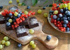 Supergod og sunn Brownie - bare sunne ingredienser og halvparten av kaloriene - Glutenfri og uten hvitt sukker - Franciskas Vakre Verden Food And Drink, Pudding, Brownies, Bar, Desserts, Cake Brownies, Tailgate Desserts, Deserts, Custard Pudding