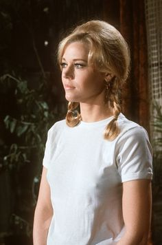 Pin for Later: 14 Stars Who Have Been In on the Braless Trend For a Long Time Jane Fonda Braless on set in 1960.