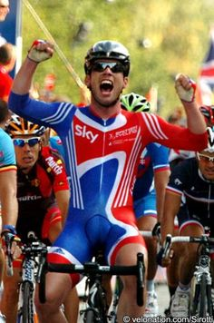 good chance he won't be apart of the British Road Race team at the World Championships due to the characteristics of the course. Team Gb Cycling, Track Cycling, Cycling Wear, Bike Wear, Pro Cycling, Cycling Outfit, Mark Cavendish, Lycra Men, Rugby Players