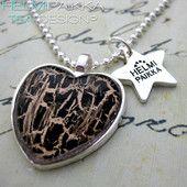 Kulta-musta sydän 15€ #littlechristmas #party #heartnecklace #pikkujoulut #sydän #sydänkaulakoru #bling