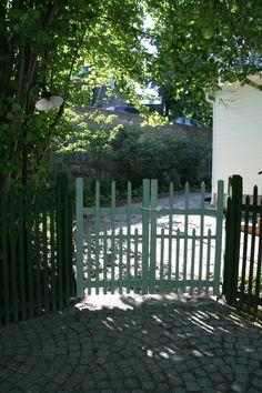 Garden Gate  www.blackbirdgarden.se