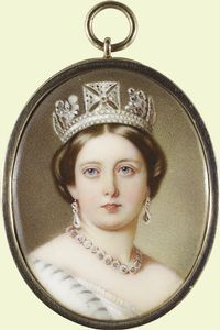 Queen Victoria wearing the George IF diadem Queen Victoria Family, Queen Victoria Prince Albert, Victoria And Albert, Princess Victoria, Prince Albert Children, Victorian Portraits, English Royal Family, Miniature Portraits, Her Majesty The Queen