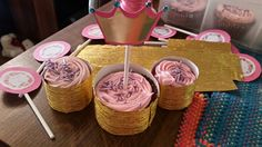 Cupcakes y mini cupcakes babyshower Victoria