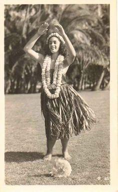 Vintage photograph Hawaiian girl doing the Hula dance selling on ebay