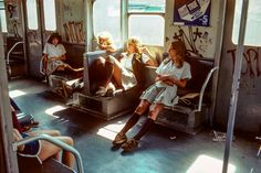 Girls on the subway in New York, 1979 - Imgur