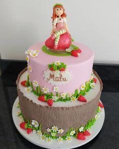 Bolo da Moranguinho: 80 ideias delicadas e tutoriais de como fazer Vsco, Cake, Like4like, Desserts, Instagram Posts, Picsart, Food, Strawberry Shortcake Birthday, Pastry Art