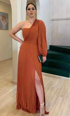 Elegant Dresses For Women, Stylish Dresses, Beautiful Dresses, Nice Dresses, Formal Dresses, Frock Fashion, Fashion Dresses, Evening Outfits, Evening Dresses