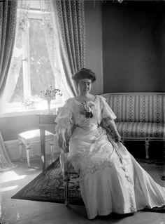Crown princess Margaretha of Sweden at Sofiero. Images Of Princess, Kingdom Of Sweden, A Little Night Music, Royal King, Casa Real, Swedish Royals, Princess Margaret, Royal House, Edwardian Fashion