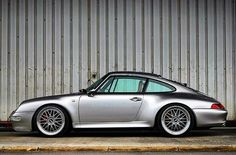 Porsche 911 Models, Porsche 911 993, Porsche Club, Red Sea, Luxury Cars, Carrera Cars, Super Cars, Classic Cars, Automobile